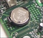 Wat doet de CMOS-batterij in een computer?
